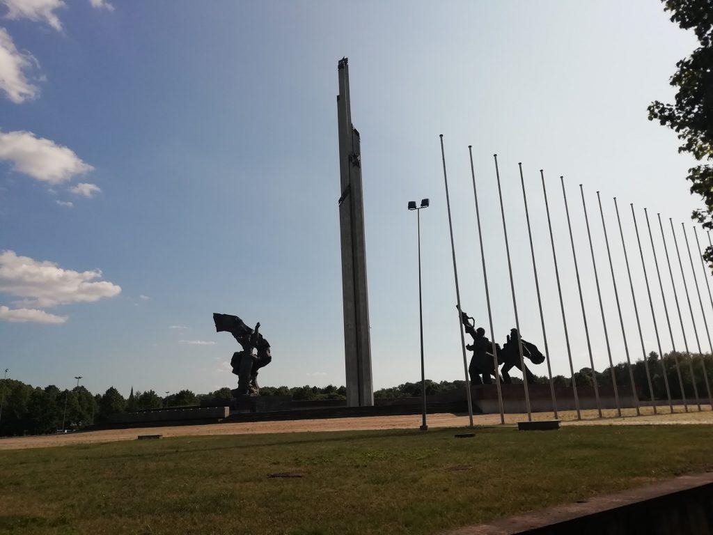 Sovyet Zafer Anıtı, Riga