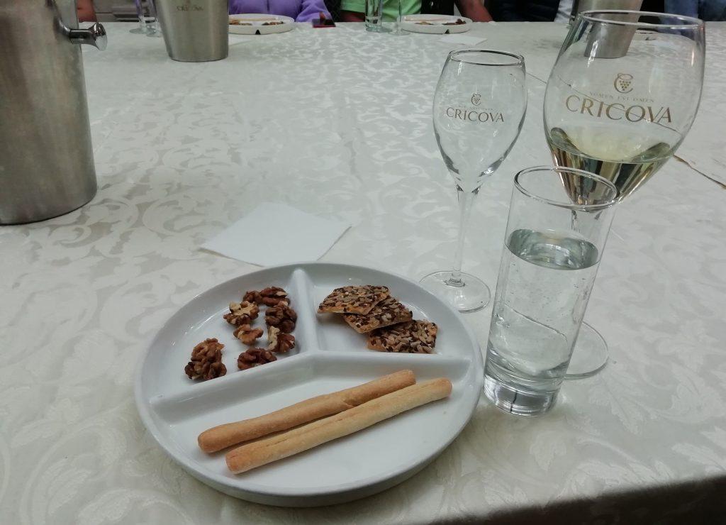Cricova şarabı ve atıştırmalıklar